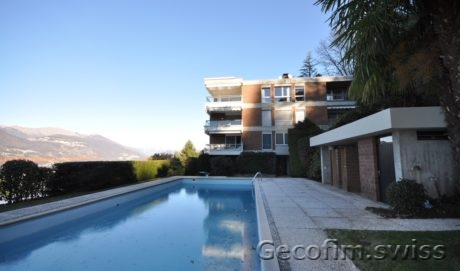 Elegant 5.5 room penthouse overlooking lake Lugano for sale in Montagnola